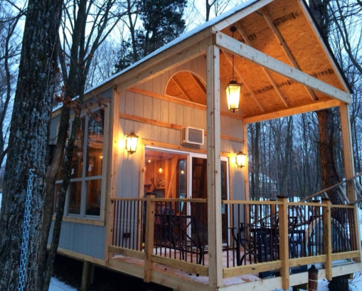 Living Off Grid - Single Mom Builds Off-Grid Lakeside Cabin Near Columbus, Ohio